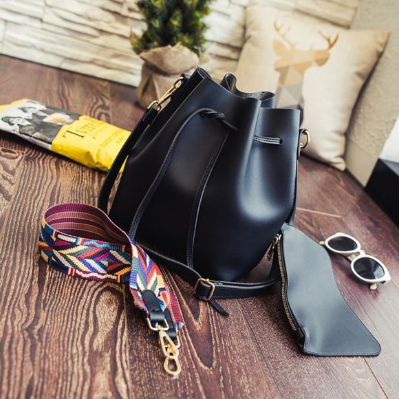 zenleather Handbags - NEW MARSEILLE Drawstring Bucket Bag